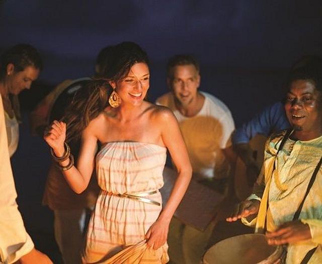 Dansande kvinna på Mauritius