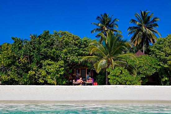 Kuredu Resorts Beach Villas på stranden i Maldiverna.
