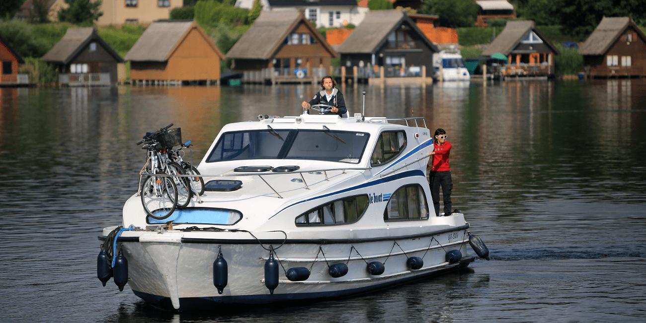 Caprise är en ännu båt som är med för våra rundturer