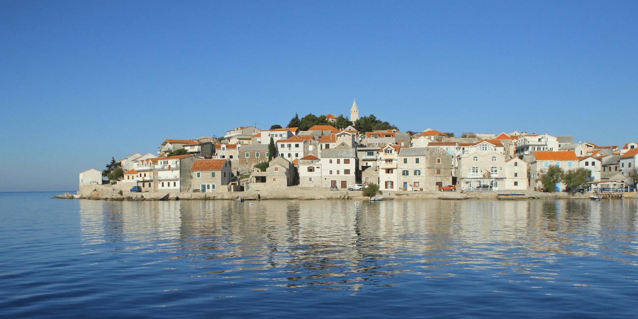 Anrika städer och byar längst kusten