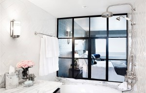 One_Bedroom_Suite_Tub_copy