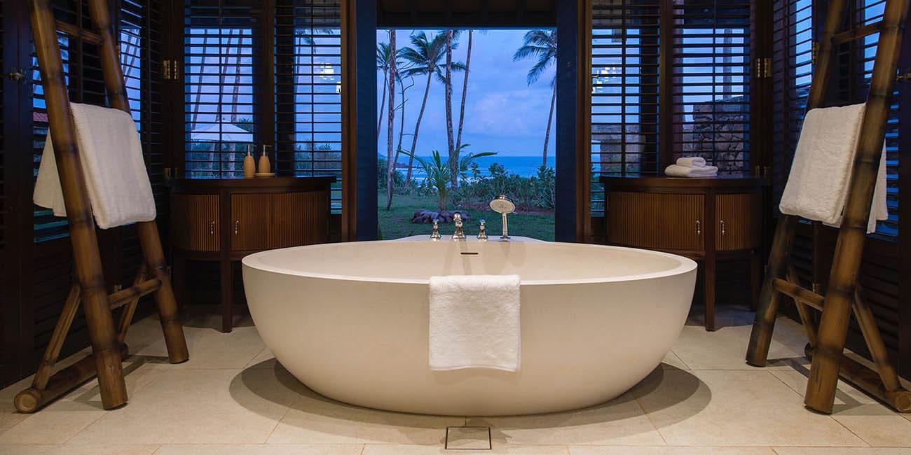 Vem vill inte bada i denna miljö?