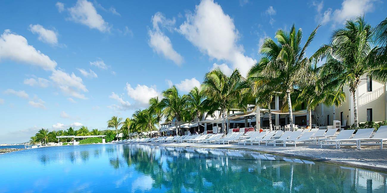 Segla eller bada vid vackra stränder på Curaçao