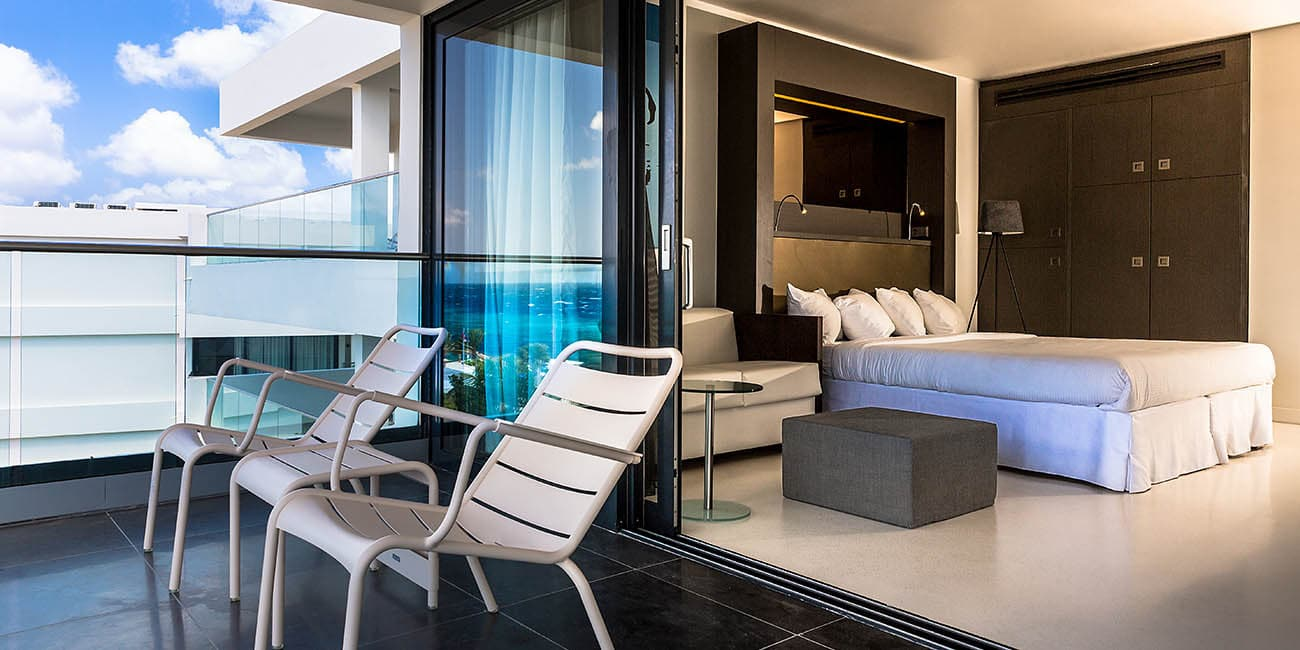Här finns hotellrum med balkong och bra utsikt