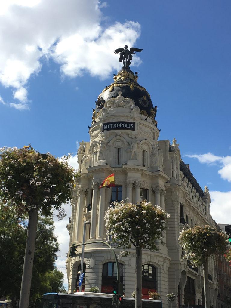 Metropolis är till synes en historisk byggnad