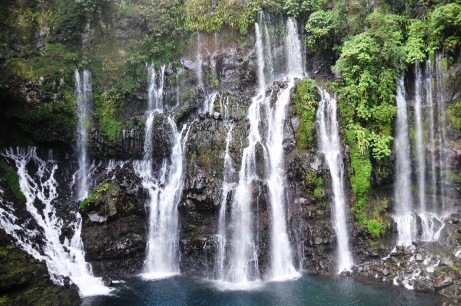 Fantastiska vattenfall och natur
