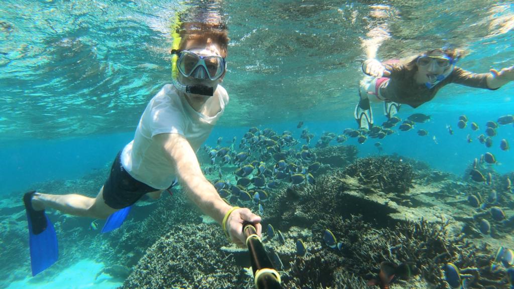 Hyr båt och sedan dyk på Maldiverna