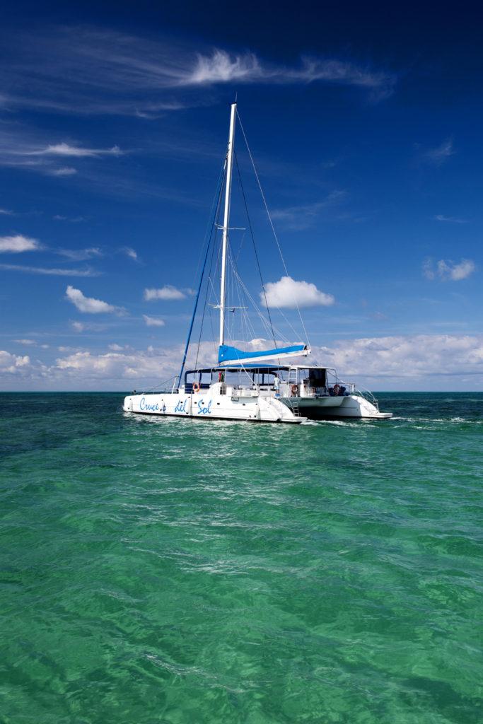 En segelbåt på Kuba
