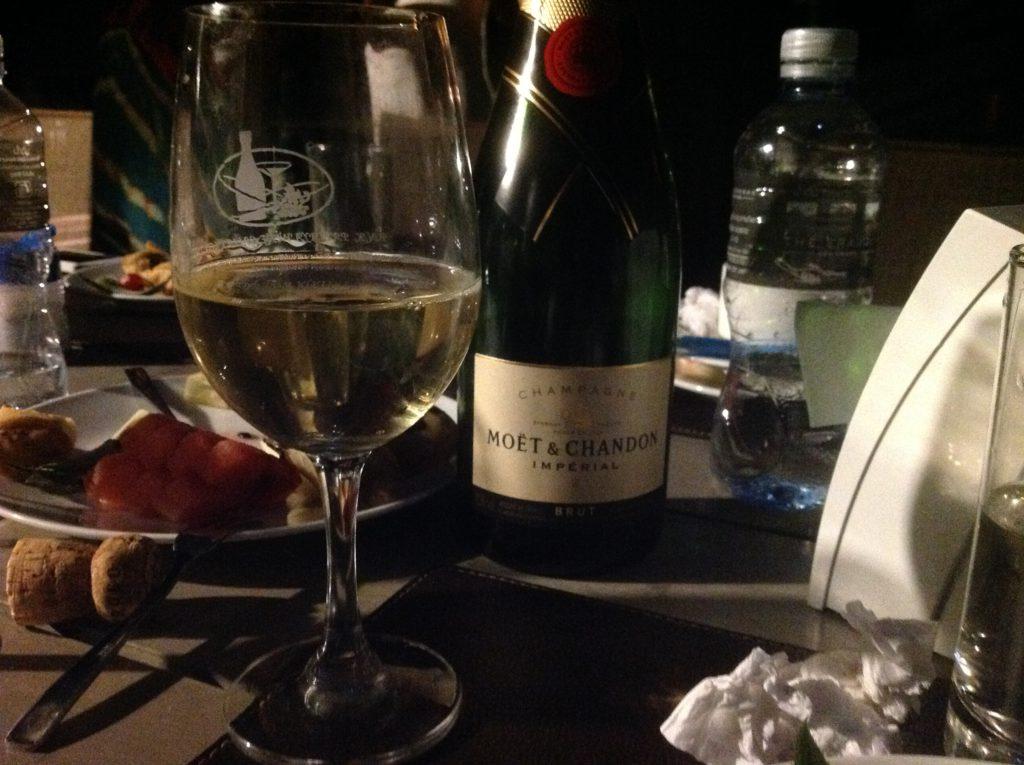 Ett glas vitt vin kan smaka bra
