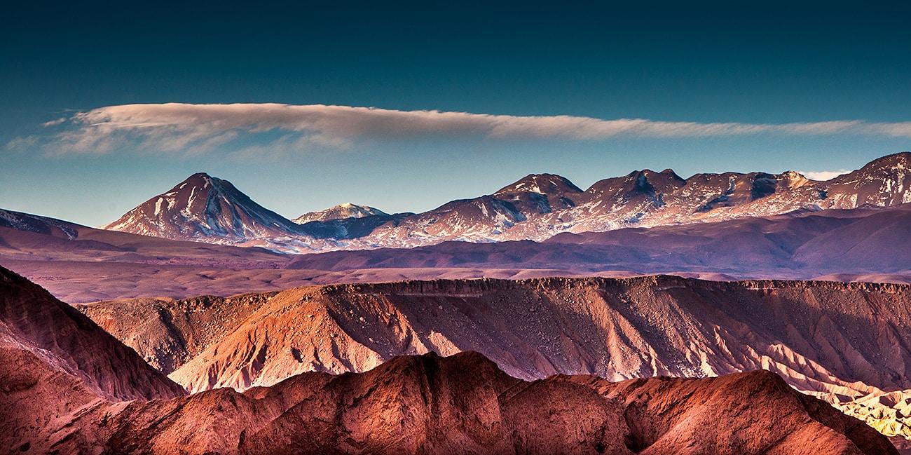 Vi erbjuder även resor den som hellre vill bestiga berg än bada och dyka
