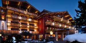 Hotel Kitzhof på kvällen