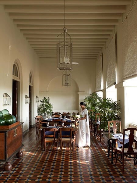 Verandan på hotell Fort Amangalla
