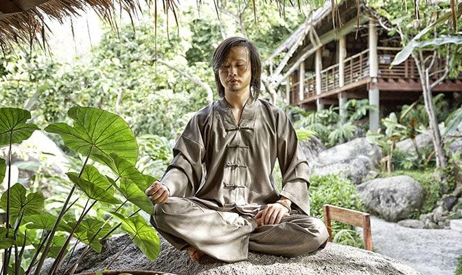 Sittande i yoga meditation