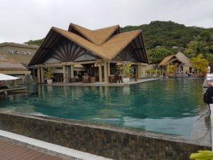 Restaurang och pool på Le Domaine del Orangerie