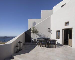 Stora terrasser i solskenet