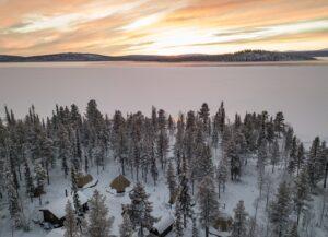Vidsträckta områden med is och snö